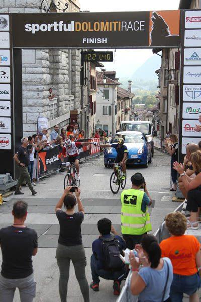 Arrivo gf sportful dolomiti race a Feltre